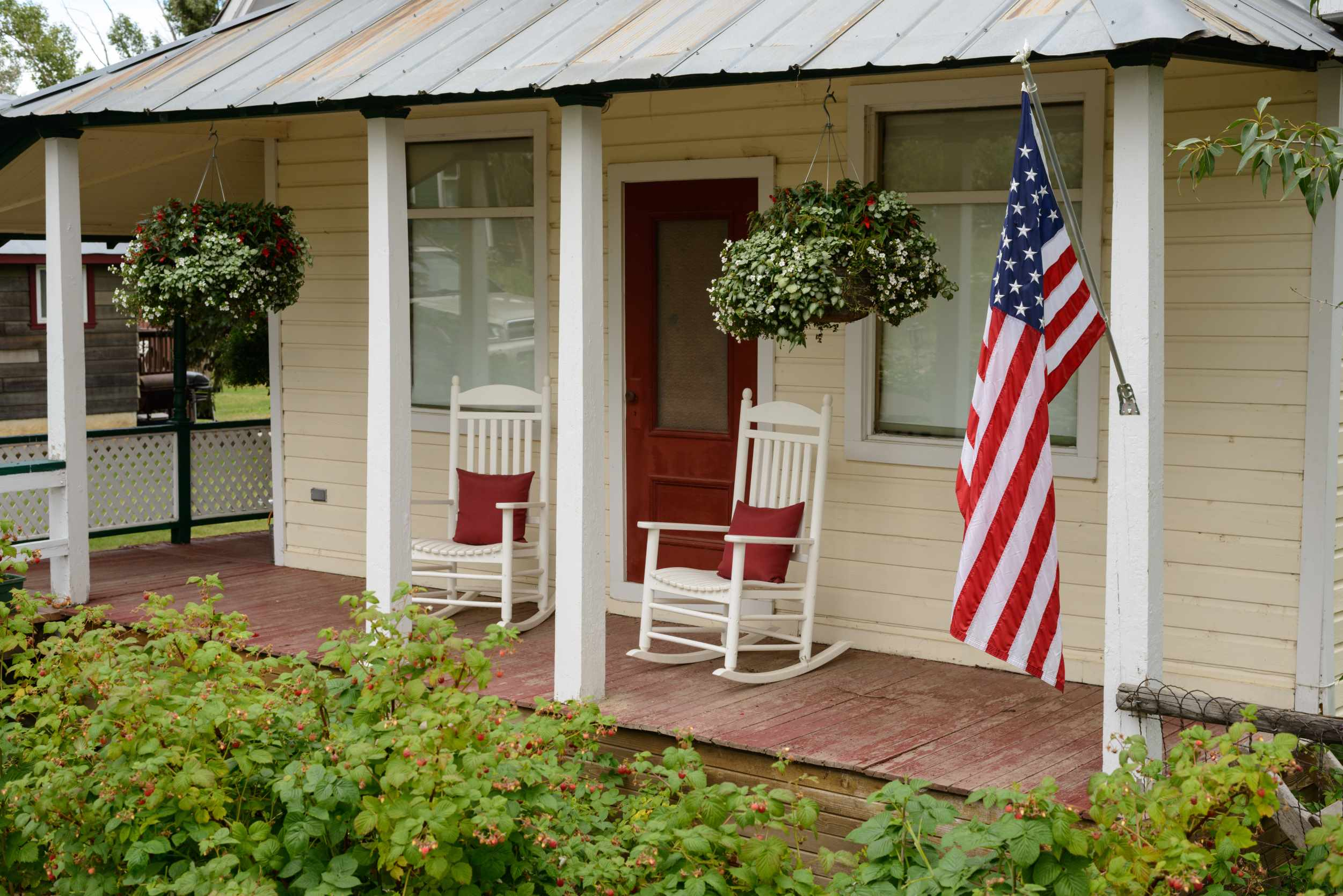 Proper flag etiquette you must learn before hanging one at for Flag etiquette at home